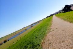 Hardlopen op de Duitse dijk bij Schenkenschanz